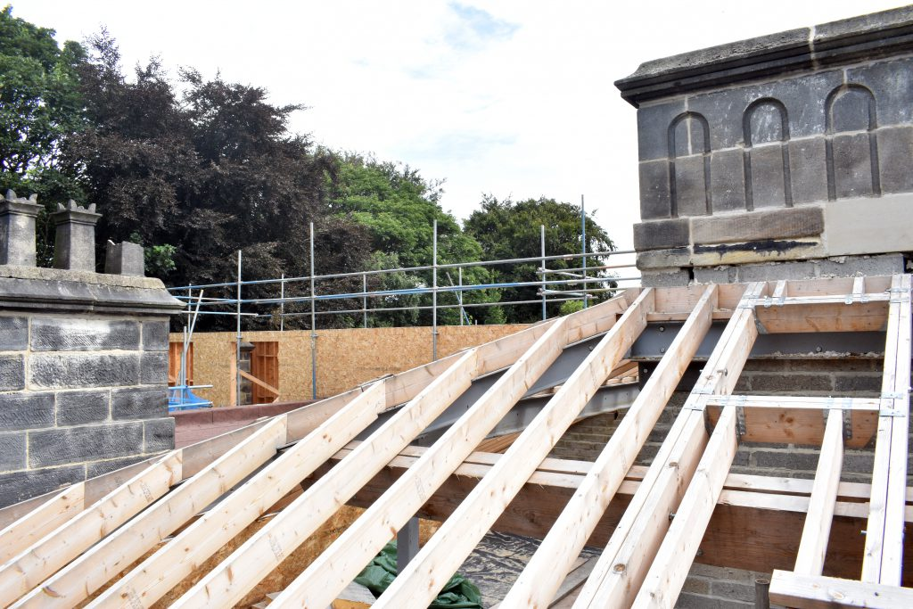 Mansion house roof structure